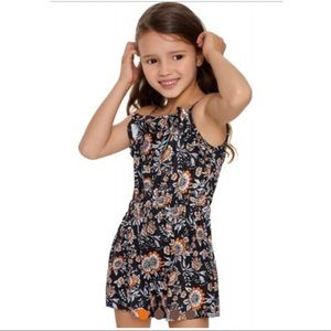 Other - 💫NEW LISTING💫 Girls' Black Floral Rompers 🧡🖤